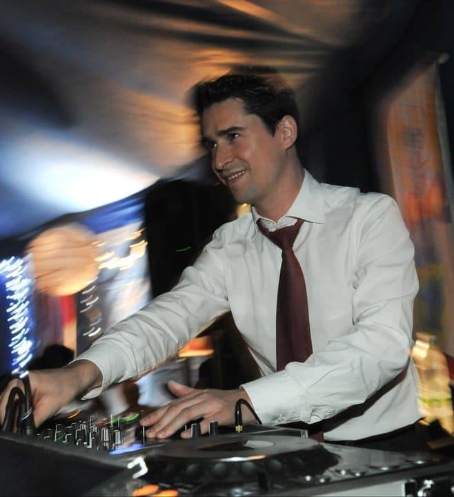 DJ Yanis Texier & the Notaries